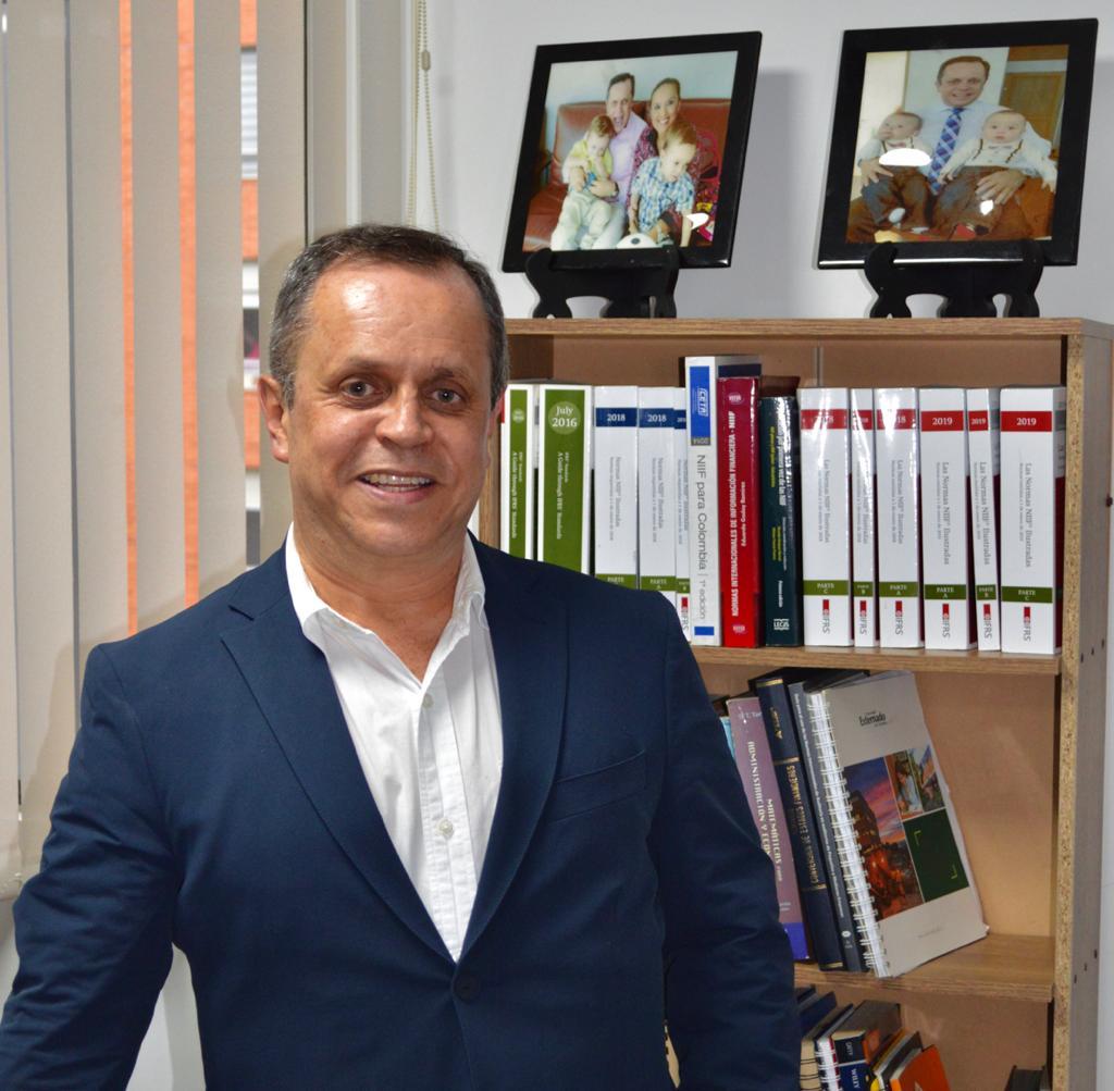 Socio Director - Daniel Sarmiento Pavas